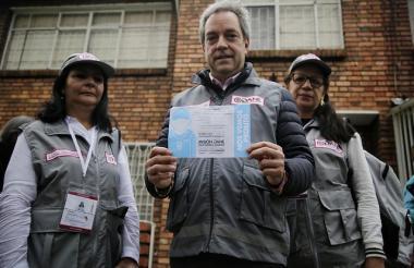 El DANE inició el censo puerta a puerta con la participación del director, Mauricio Perffety.