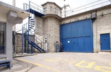 Entrada a la cárcel de mujeres El Buen Pastor, en la ciudad de Bogotá.