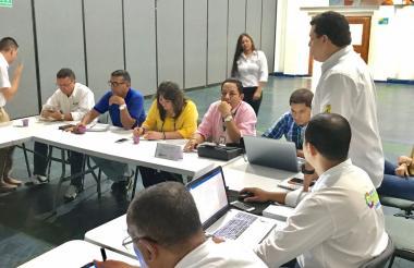 La mesa técnica por el problema de la erosión costera sesionó hasta el mediodía de este lunes, en el centro de convenciones de Montería.