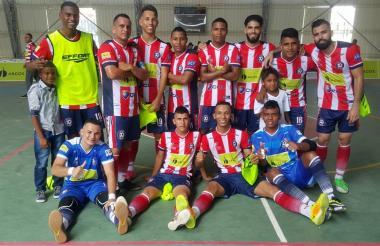 Jugadores de Independiente Barranquilla gozan de la victoria ante Inter Cartagena.