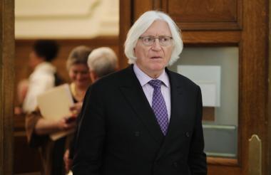Tom Mesereau estudió en Harvard, London School of Economics y en la escuela de leyes Hastings.