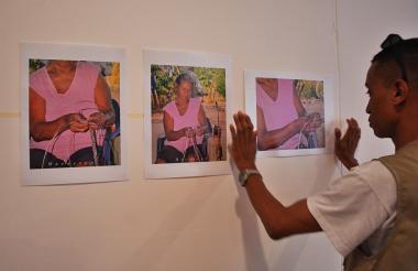 Exposición fotográfica del Maua, en el evento.