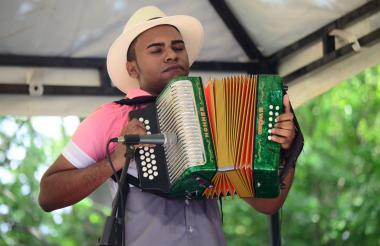 José Juan Camilo Guerra, rey Juvenil 2017, durante su presentación en el Festival  de la Leyenda Vallenata.