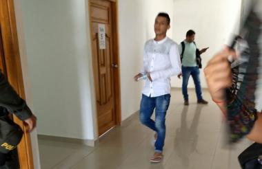 Azael Elías Hernández Pérez, de 20 años de edad, a su llegada al Palacio de Justicia de Soledad.