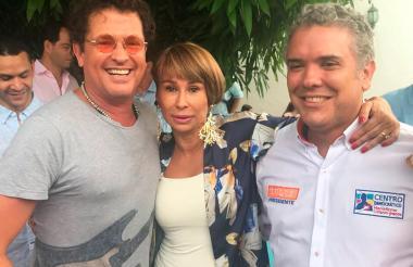 Arango, Vives y Duque en la 'foto de la discordia'.