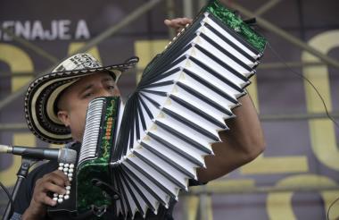 José González, uno de los competidores en la categoría profesional del Festival de la Leyenda Vallenata.