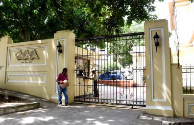 Fachada de la sede principal de la empresa Triple A, en el norte de Barranquilla.