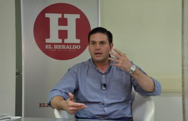 Juan Carlos Pinzón en su visita a EL HERALDO.
