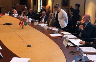 Madelaine Certain, secretaria de Desarrollo, en la reunión de ayer en Houston.