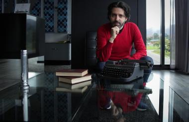 Neuman, también autor de 'El viajero del siglo' (2009), que ganó Premio Alfaguara, estuvo presente en la Feria Internacional del Libro de Bogotá.