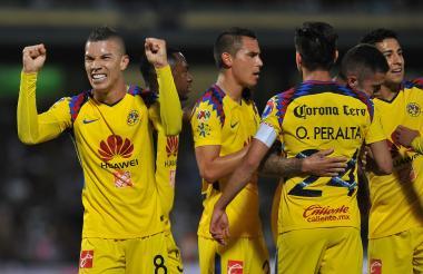 El jugador Mateus Uribe celebra el primer tanto del encuentro.