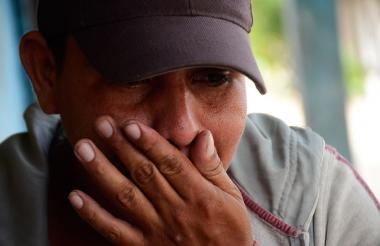 Héctor Manuel Díaz, hijo de María de la Cruz Otálora, irá hoy a misa para recordar a su madre, a quien no puede visitar puesto que está enterrada en Tapoa, un pueblo al sur de Bolívar, de donde es oriunda.