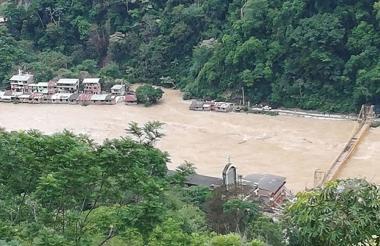 Panorámica de Puerto Valdivia tras el desbordamiento del Río Cauca.