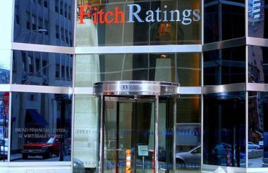 La fachada del edificio de Fitch Ratigns, ubicado en Londres.