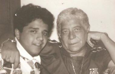Fabio Poveda Ruiz y Fabio Poveda Márquez. Padre e hijo disfrutando de un momento juntos.
