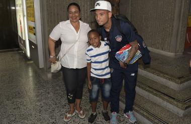 Jarlan Barrera llegando a Barranquilla.