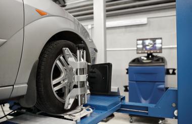 Es recomendable que este proceso lo realice con su mecánico de confianza, debido a que a la hora de revisar las llantas se presenta más engaños por parte de los talleres.