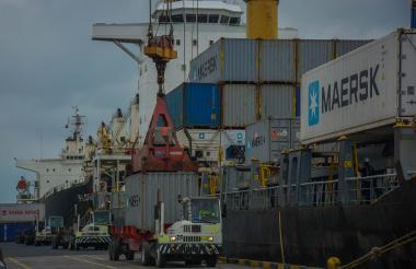 Actividad comercial en el Puerto de Barranquilla.