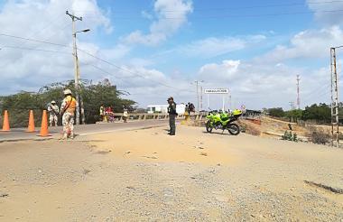 El Ejército y la Policía custodian la frontera.