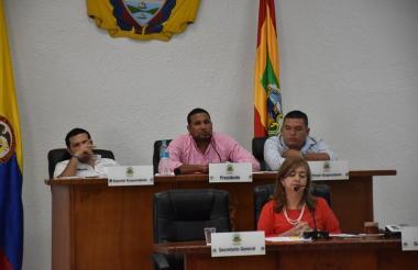 Mesa directiva del Concejo, quien firmó el acta de suspensión del Contralor.