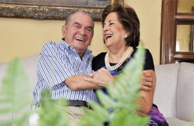 Anotio Celia junto a su esposa Cecilia Celia.