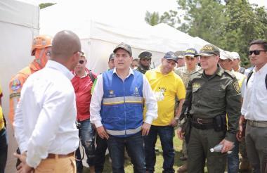 Autoridades de Bolívar durante el simulacro.