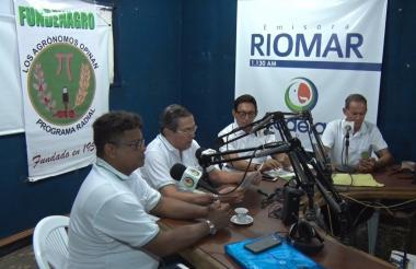 Al aire en Riomar: Fernando Avendaño, Jaime Visbal, Jaime Cardona y Eric Guerrero.