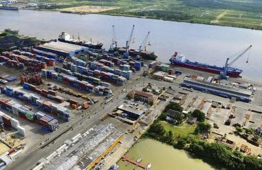 Vista panorámica de la Sociedad Portuaria de Barranquilla.