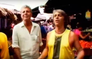 Anthony Bourdain en la grabación del programa de televisión en Cartagena en el 2008.