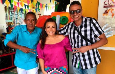 Artistas que cursaron durante 3 meses el 'Diplomado Carnaval: Emprendimiento, Arte y Patrimonio'.
