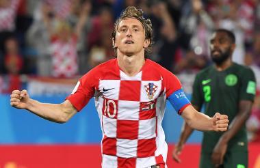 El volante Luka Modric, capitán de Croacia, celebra el tanto anotado a Nigeria.