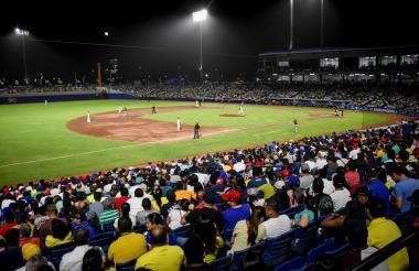 Partido de béisbol en el estadio Egdar Rentería.