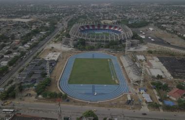 En primera línea el estadio donde se jugará el hockey hierba en el complejo deportivo Pibe Valderrama.