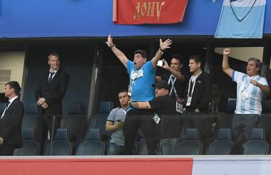 Maradona celebrando el triunfo de Argentina.