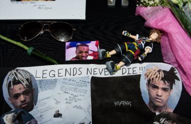 Algunos de los mensajes de sus fans en el funeral.