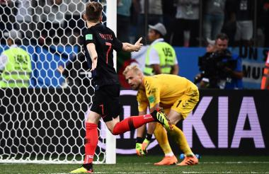 Ivan Rakitic festeja el tanto del triunfo.