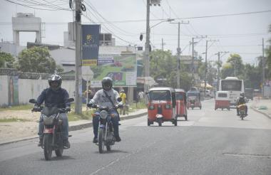 Motos circulando en Soledad.