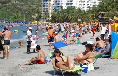 La temporada turística de mitad de año arranca a partir de hoy en Cartagena.