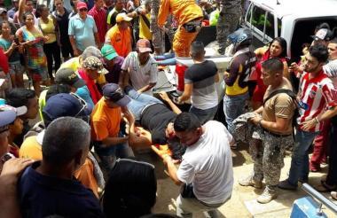 Los estudiantes heridos tuvieron que ser trasladados a varios centros asistenciales de Cartagena.