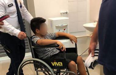 El niño fue atendido en el centro comercial.