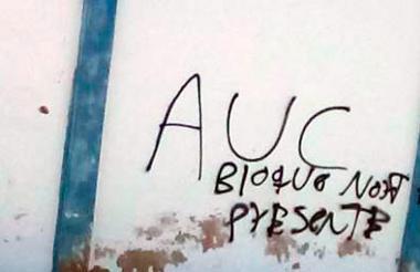 Uno de los grafitis.