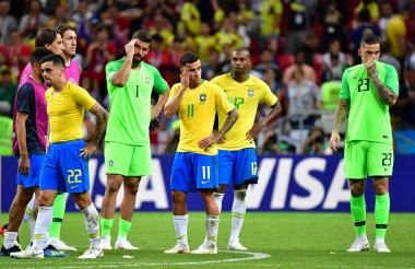 Los jugadores de Brasil muestran su tristeza por la eliminación del Mundial.