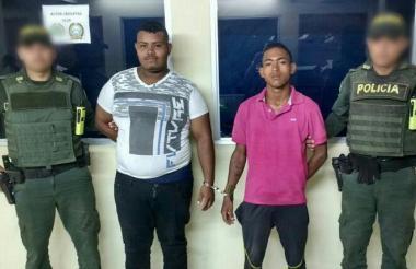 Los dos capturados, Luis Eduardo Monsalvo de la Cruz y Brayan Emilio Yepes Ramirez, fueron mostrados por la Policía.
