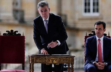 Juan Manuel Santos realiza el acto de la sanción del Estatuto de la Oposición.