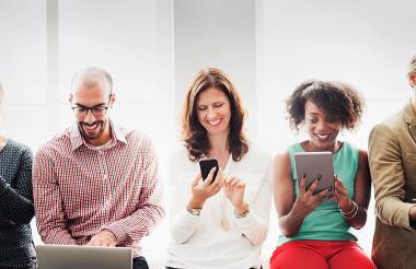 Según los expertos es mejor evitar publicar comentarios agresivos o muy íntimos en las redes.
