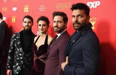 Darren Criss, Penelope Cruz, Edgar Ramirez y Ricky Martin, protagonistas de la serie de televisión.