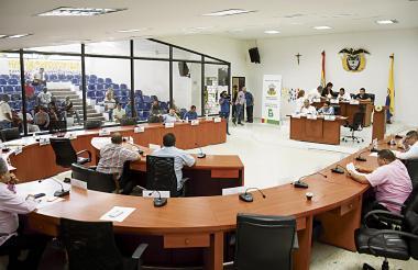 La sesión que se llevó a cabo ayer contó con la presencia de 15 concejales.