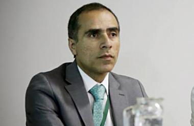 Luis Fernando Cruz, superintendente de Salud.