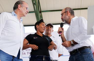 El gobernador Verano y el ministro Sánchez durante su última visita al departamento del Atlántico.