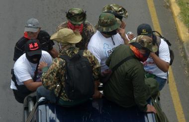 Movilización de seguidores de Daniel Ortega en caravana.